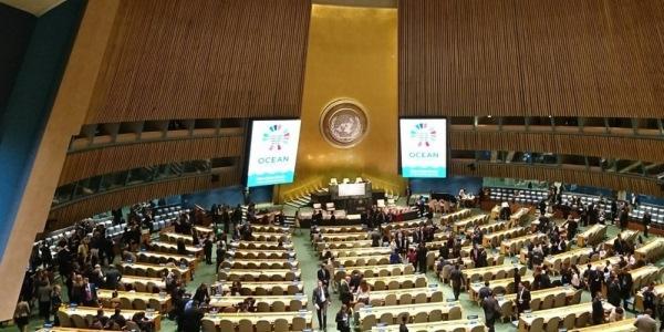 Das Bild zeigt die Ozenakonferenz der Vereinten Nationen in New York.