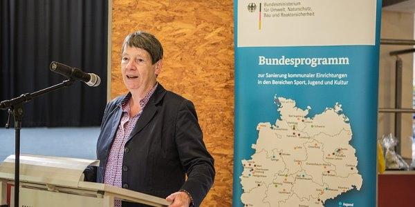 Bundesministerin Dr. Barbara Hendricks besuchte mehrere Standorte, um sich vor Ort ein Bild von dem aktuellen Stand der Projekte zu machen.