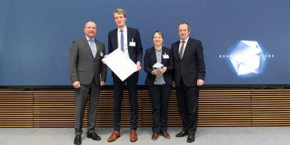 Das Bild zeigt die Preisträger des Deutschen Rohstoffeffizienz-Preises der watttron GmbH.